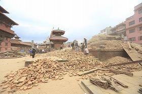 大地震発生後のカトマンズ市内(撮影者:United Nations Development Programme)