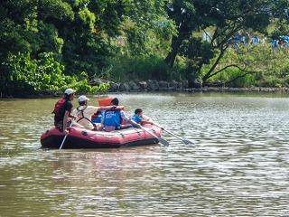 松毛川(灰塚川)ボート上からの河畔林観察会