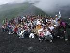 合同企画「富士山に登って元気になろうツアー」「大学生出前寺子屋合宿」を実施しました